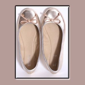 Kenneth Cole Reaction Gold w/Silver Trim Flats
